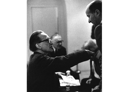 Consagra con Marcel Duchamp alla Galleria La Tartaruga, Roma, 1963. Foto P. De Martiis