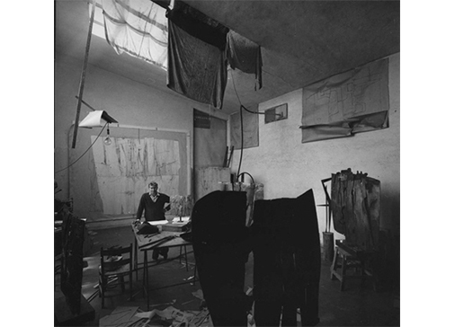 Consagra's studio in Rome, 1962  Photo: Ugo Mulas, © Ugo Mulas Heirs. All rights reserved