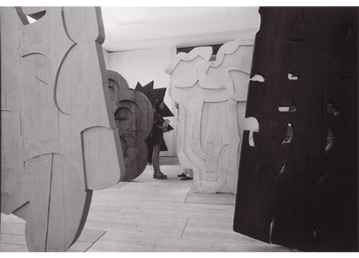 """Trama"", 1872, personal room at the 1972 Venice Biennale. Photo: Ugo Mulas, © Ugo Mulas Heirs"