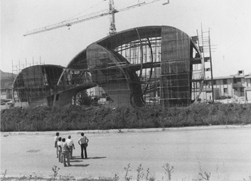 """Meeting"" under construction, 1982. Gibellina, Trapani (Sicily)"